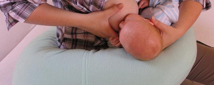 Ako správne priložiť bábätko k prsníku?